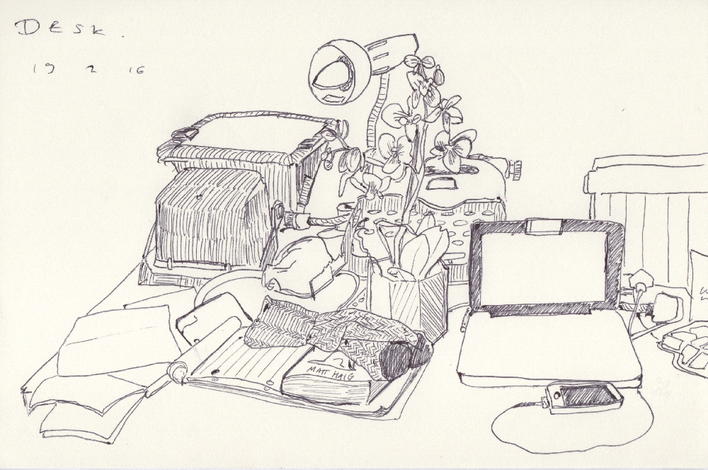 _J5_29_Clean the desk or draw the mess